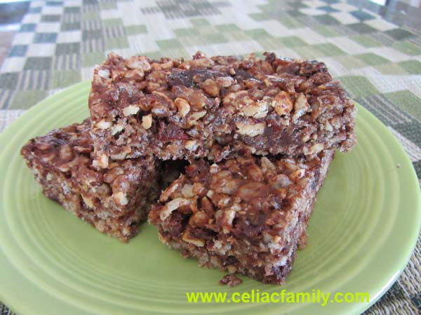 Cashew Cherry Chocolate Energy Snack Bars @CeliacFamily -- #GlutenFree #DairyFree